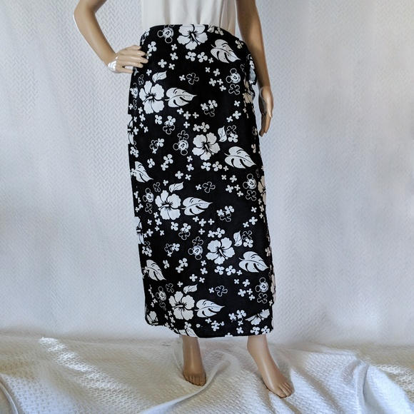 92b65f1e3 Disney Dresses & Skirts - Disney Store Mickey Mouse Tropical Wrap skirt